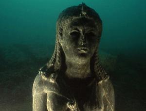 古埃及女神伊希斯的塑像