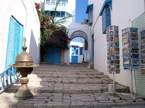 童话里的蓝白小镇