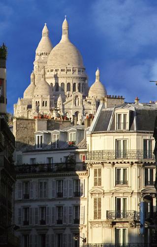 巴黎街头设计独特的建筑