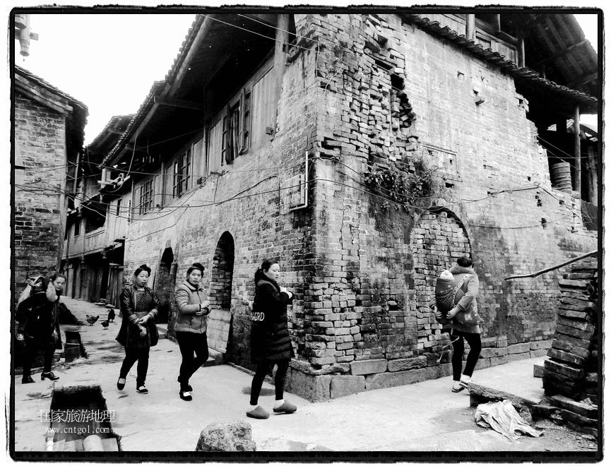 增冲侗寨古建筑保存完好 (2)