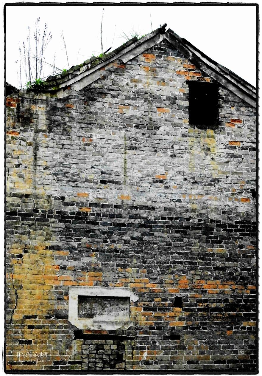 增冲侗寨古建筑保存完好 (3)