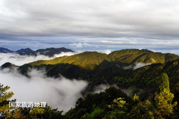 波兰当地时间7月9日下午19时10分,武夷山边界调整项目在第41届联合国教科文组织世界遗产委员会会议上审议通过。至此,江西铅山武夷山成功列入世界文化与自然遗产地。