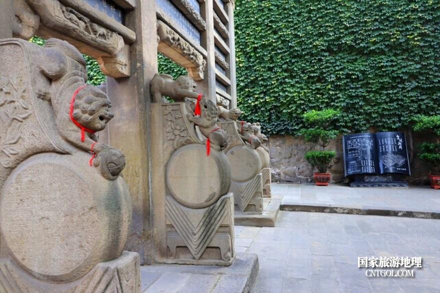 26,皇城前的碑坊石刻