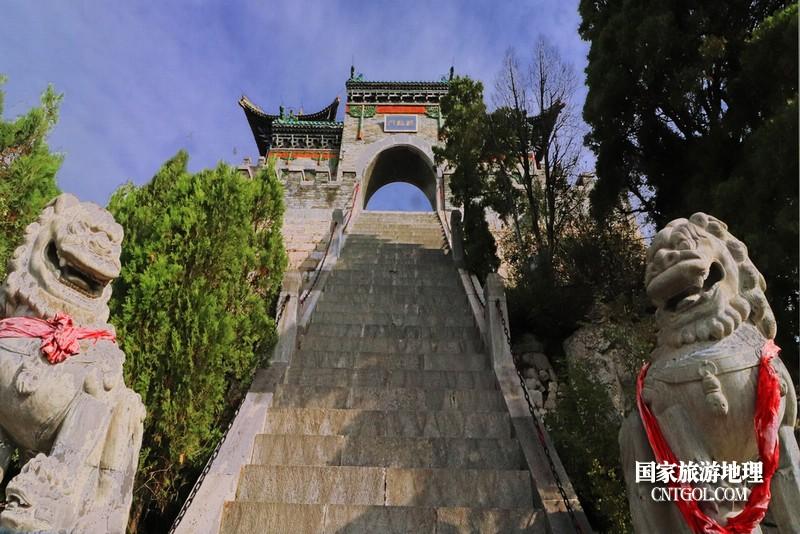 还有36级台阶,珏山靠天最近的地方。