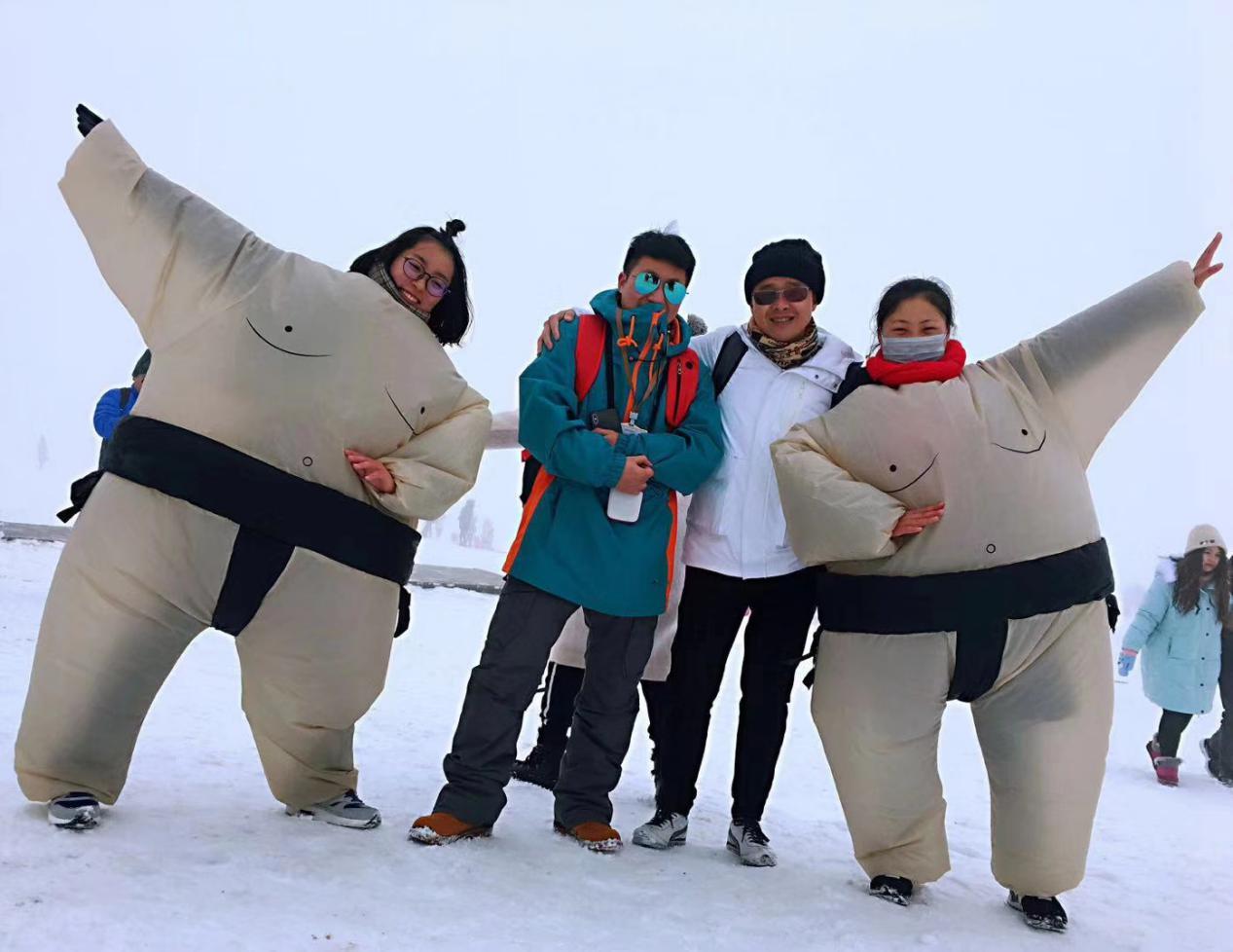 大学生�y.&��f�/&_四川大学生仙女山冰雪季活动玩出新花样