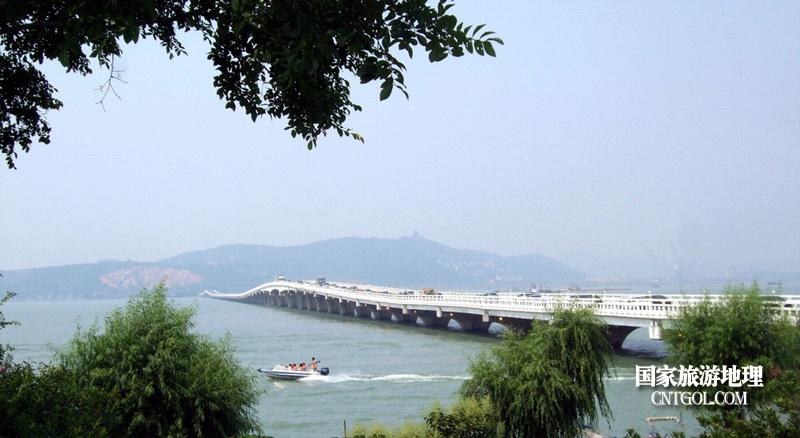 苏州西山岛太湖大桥美景