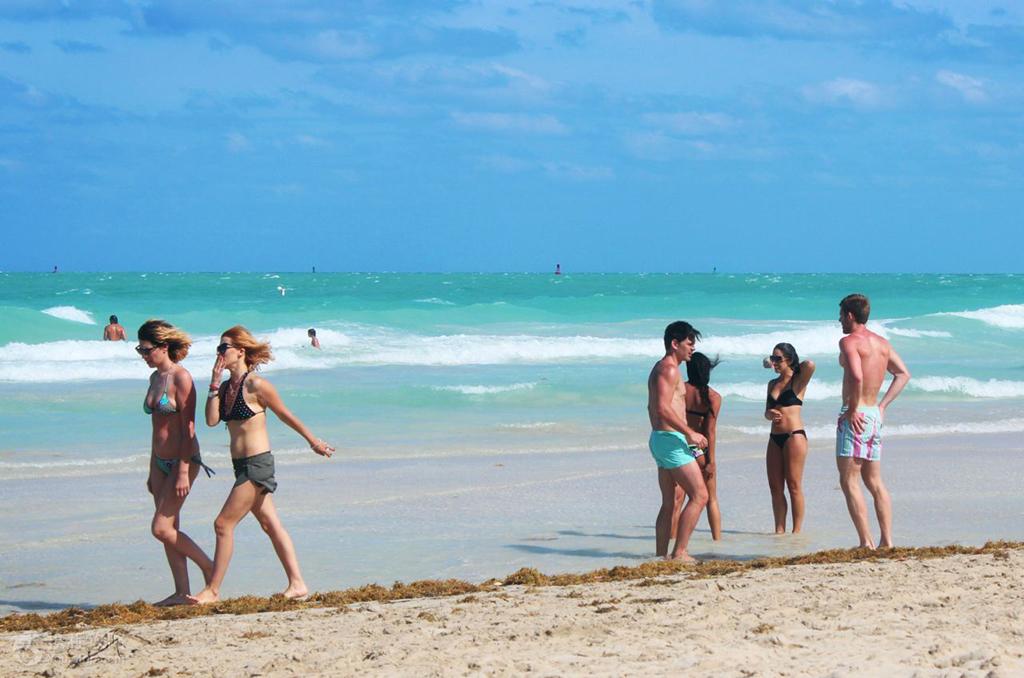 佛罗里达海滨度假天堂/迈阿密海滨游人