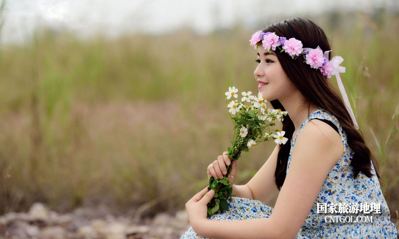 云南昆明春城无处不飞花/美丽的春姑娘