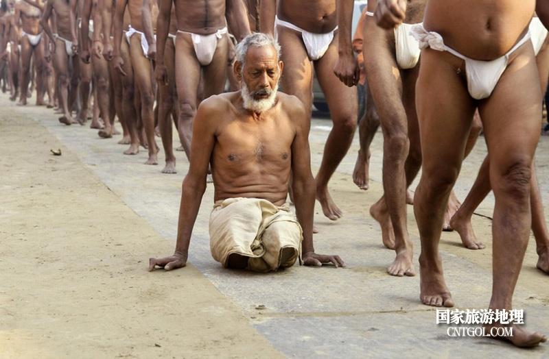 印度人救赎灵魂的大壶节/去参加大壶节