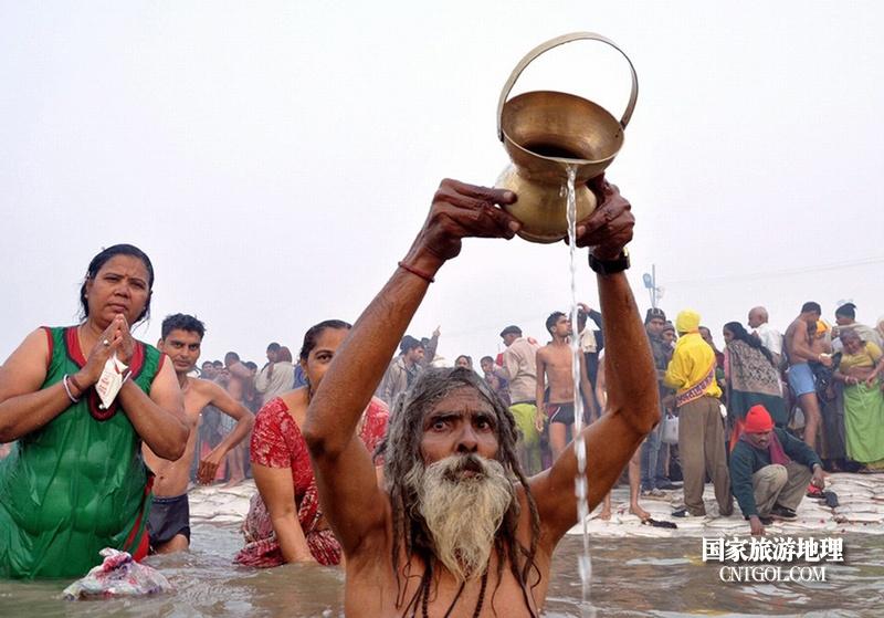 印度人救赎灵魂的大壶节/圣水