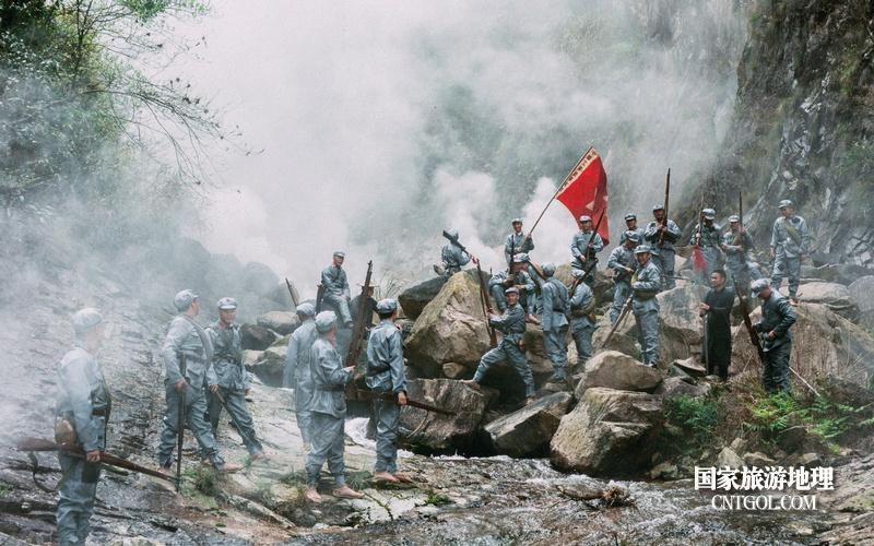 《挺进师》纪录片在温州泰顺开拍/三魁镇卢梨大峡谷拍摄中