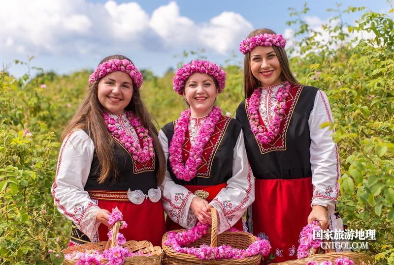 在那玫瑰花盛开地方保加利亚/玫瑰花田三姐妹