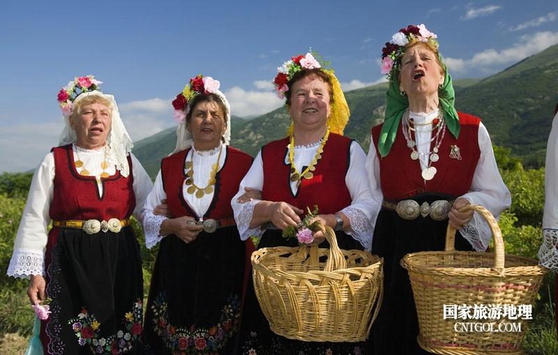 在那玫瑰花盛开地方保加利亚/在唱歌的奶奶们