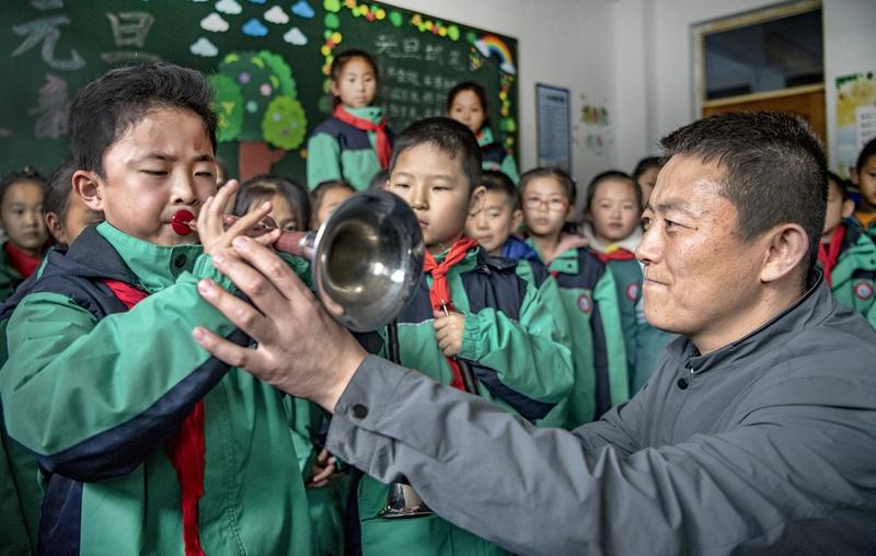 陕西省延安市志丹县:陕北特色文化进课堂(图)