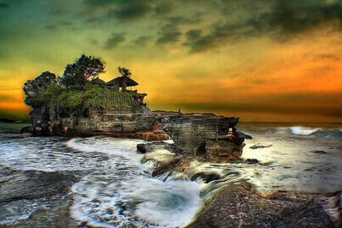 沉浸闲适时光 寻一处高地赏世界最美落日余晖