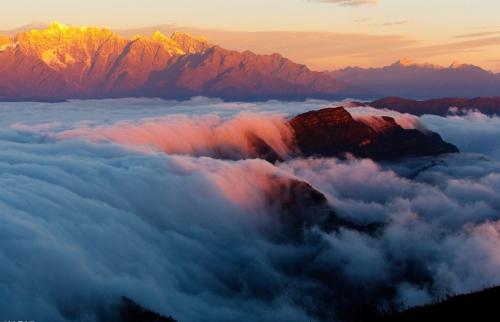 雅安震前风光无限好 站在云端望尽蜀中名山