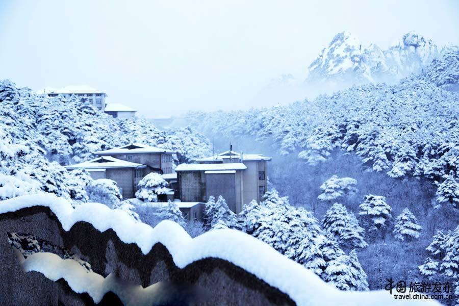 """天下第一奇山""""的安徽黄山风景区,以奇松、怪石、云海、温泉"""