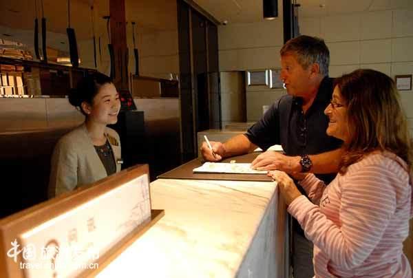 游客称赞黄山酒店员工英语棒:和外宾无障碍交