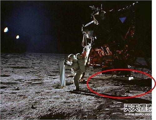 惊天骗局:十八个阿波罗登月无法回答的质疑