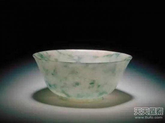 揭秘故宫收藏的10大精品翡翠 个个都价值连城
