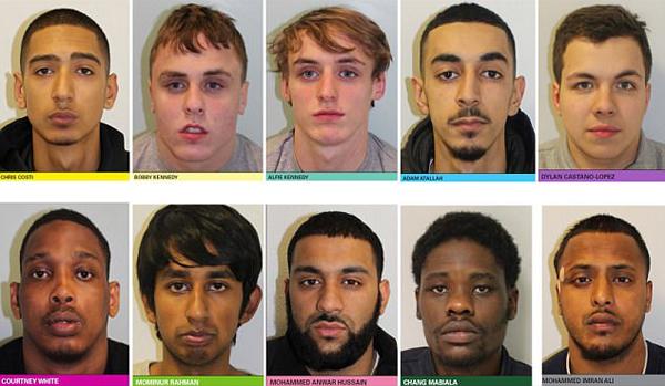 英10人犯罪团伙犯罪99起 法庭受审聊天嬉笑气焰嚣张