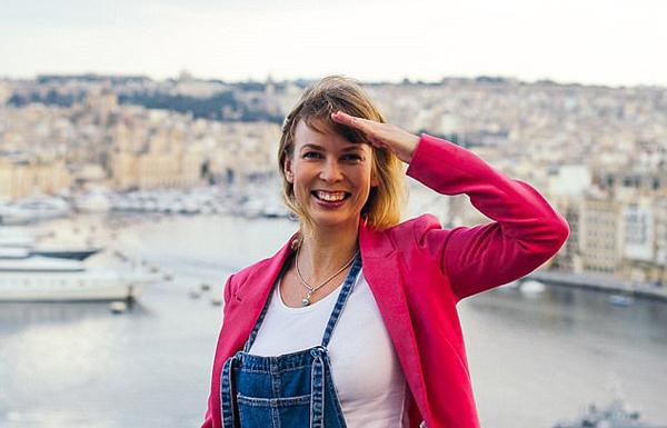 芬兰女子提供陪同旅行服务 全球寻找孤单旅行者