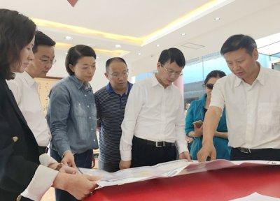 省旅游发展委党组书记胡斌调研天全旅游业发展