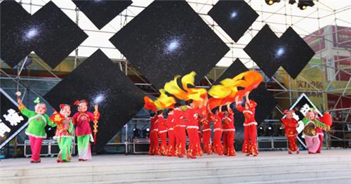 精武大舞台首场演出精彩上演 丰富群众文化生活