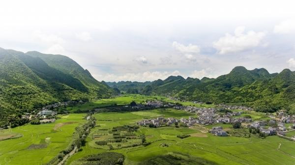 """""""天眼""""在贵州平塘,""""地眼""""在兴义万峰林!"""