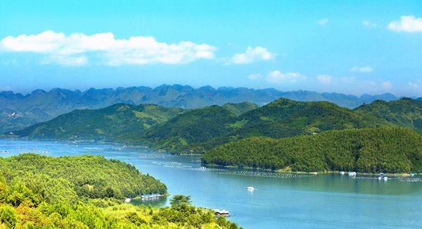 绝美湖泊!它是贵州最大的高原天然淡水湖泊