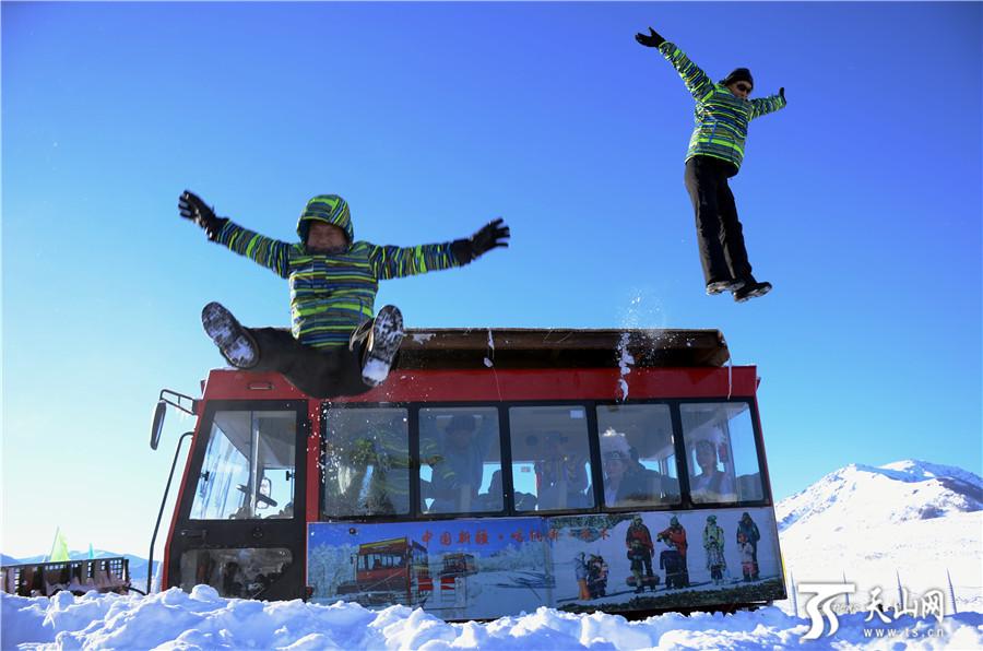 自治区旅发委召开2018年新疆冬季旅游产品推介会 新疆196项旅游活动让你嗨个够