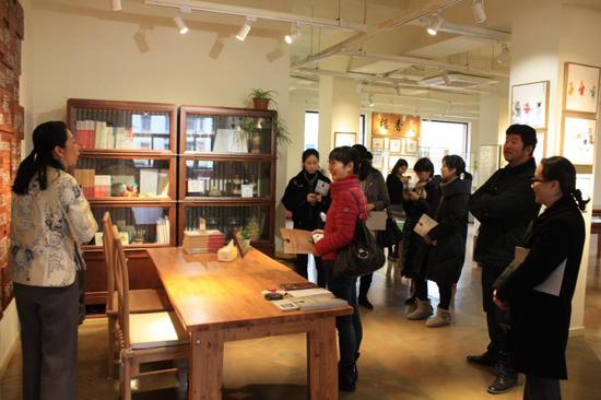 省文物局组织党员赴武林街道非物质文化遗产主题馆开展主题党日活动