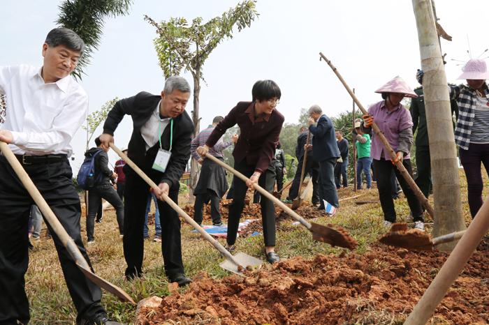 2019年全民义务植树系列宣传活动启动_最新林业信息