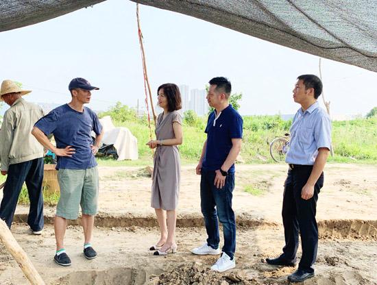 杭州余杭区文广旅体局领导慰问一线考古人员